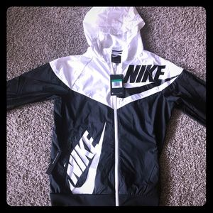 Brand new Nike kids jacket Size YXL